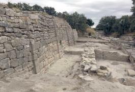 Troia Antik Kenti'ndeki Tarihi Kalıntılar