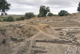 Troia Antik Kenti'ndeki Tarihi Kalıntılardan Genel Görünüm