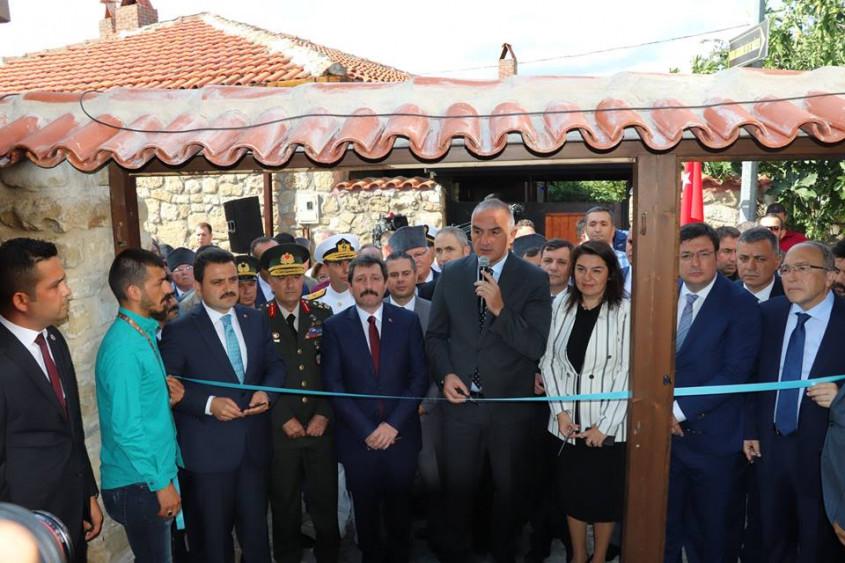 """Restore Edilen """"Atatürk Evi Müzesi"""" Ziyarete Açıldı"""