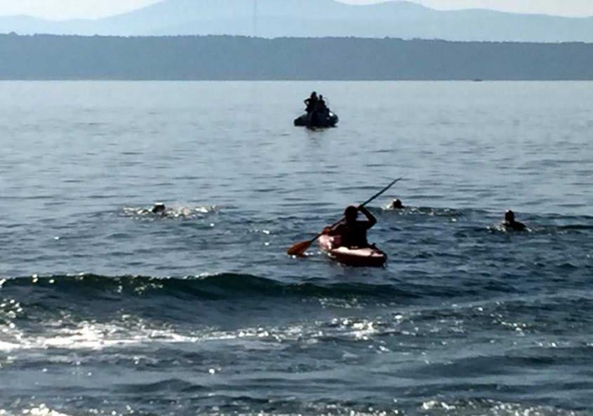 Ünlü Yazarlar Çanakkale Boğazı'nı Yüzerek Geçti