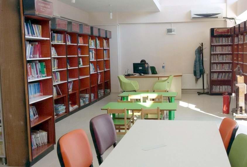 Çanakkale İl Halk Kütüphanesi Artık Geceleri de Açık