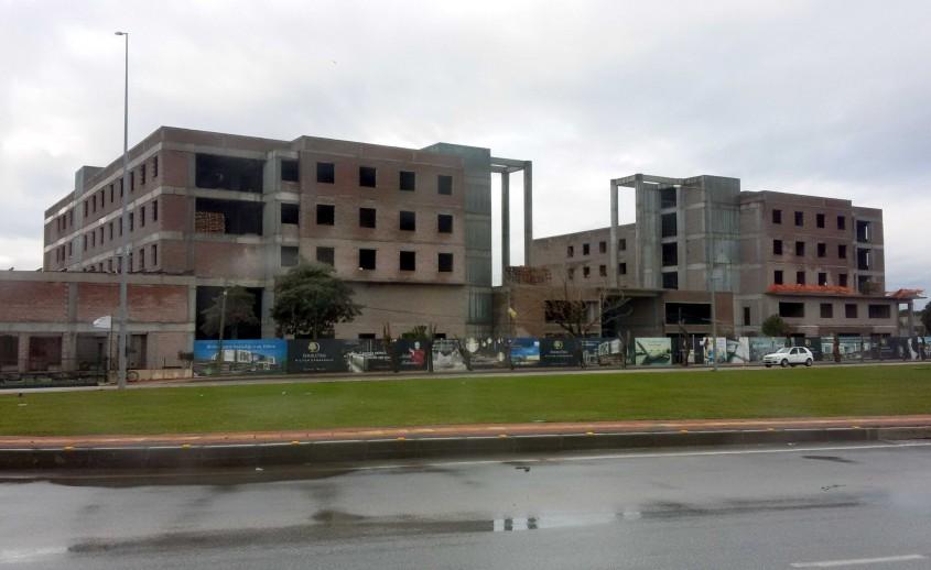 Hilton Otel İnşaat Çalışmalarına Yeniden Başlandı