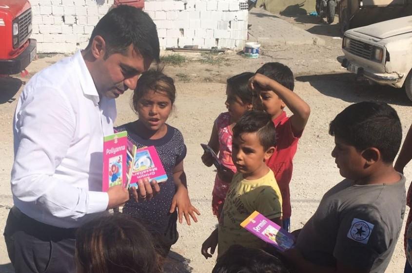 Güç Birliği Platformu Çocuklara Kitap Dağıttı
