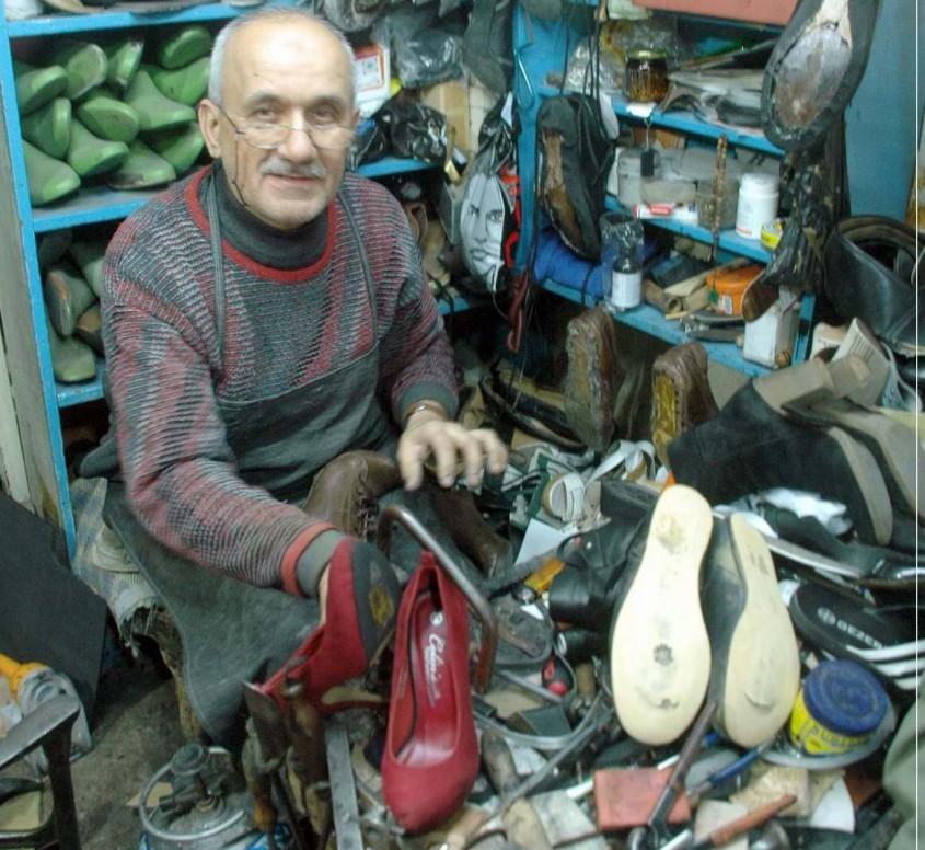 Ayakkabı İmalatçısıydı Tamirci Oldu