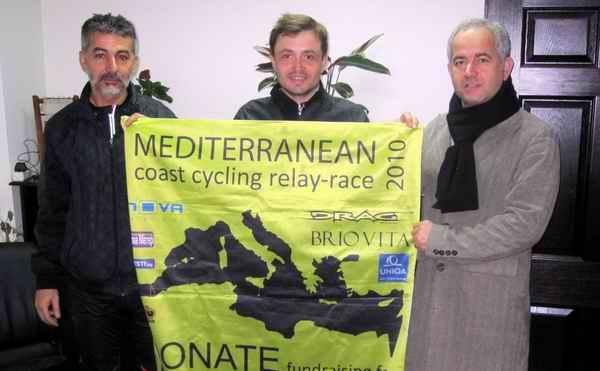 Bulgaristanlı Bisiklet Sporcusu Stoyanov'dan Başkan Güneşhan'a Ziyaret