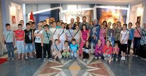 Bulgar Öğrenciler Şehitlikleri Gezdi