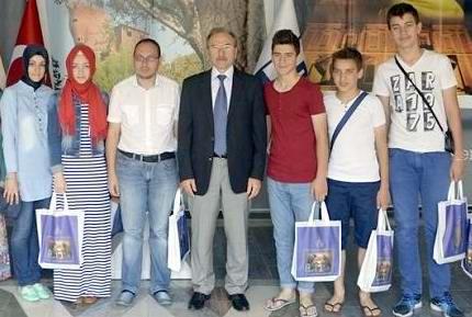 İskeçe Türk Birliği Öğrencileri Şehitlikleri Gezdi