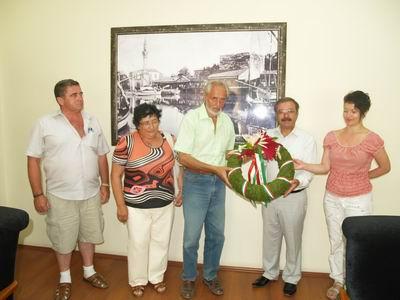 Macarlar Gelibolu'ya Dostluk Anıtı Yapacak