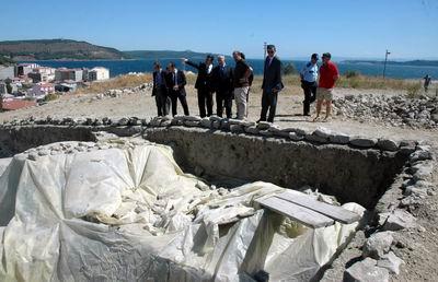 Vali Tuna, Maydos Kilisetepe Höyüğü Kazı Bölgesini İnceledi