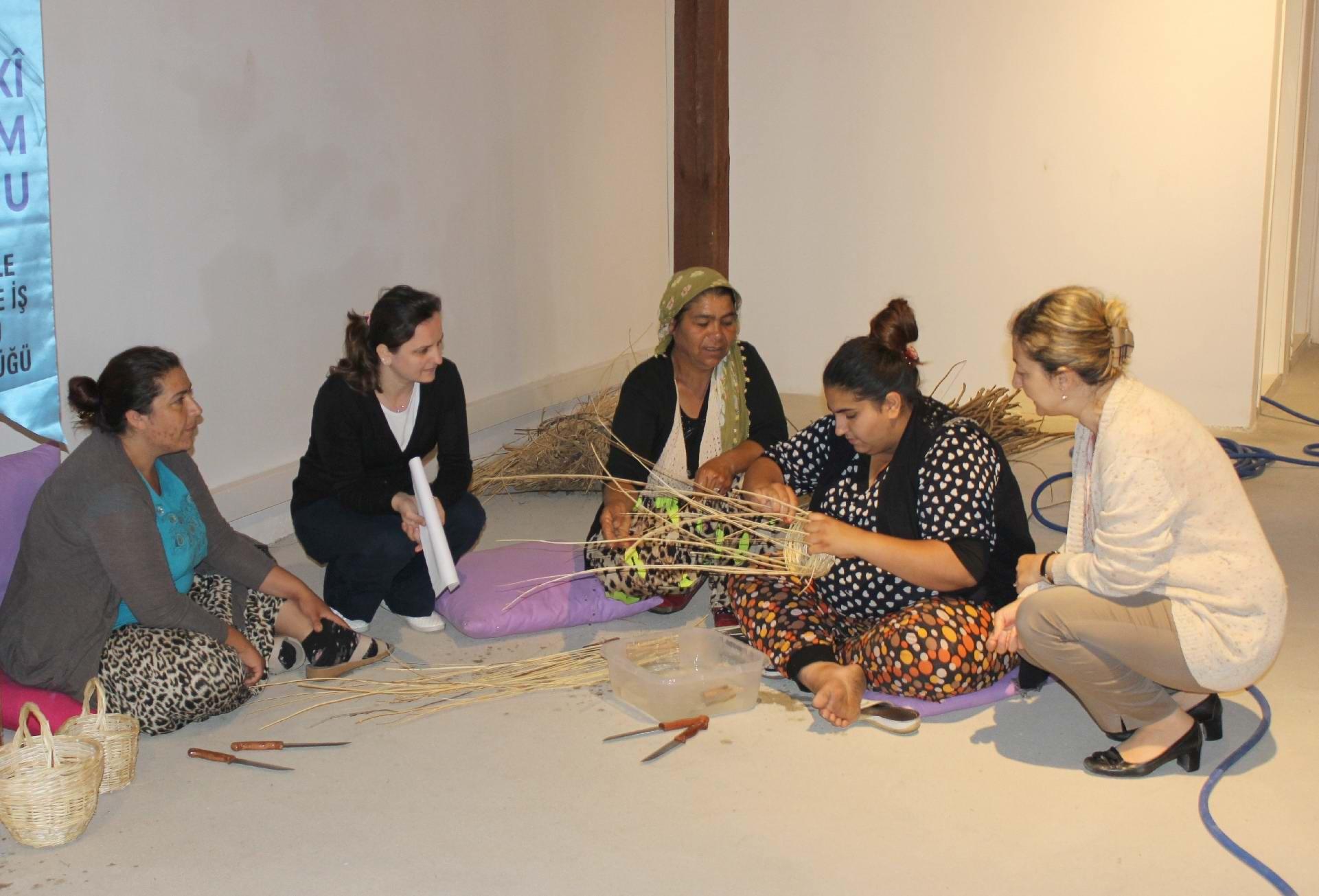 İşkur'dan Romanlara Yönelik Sepet Örme Kursu