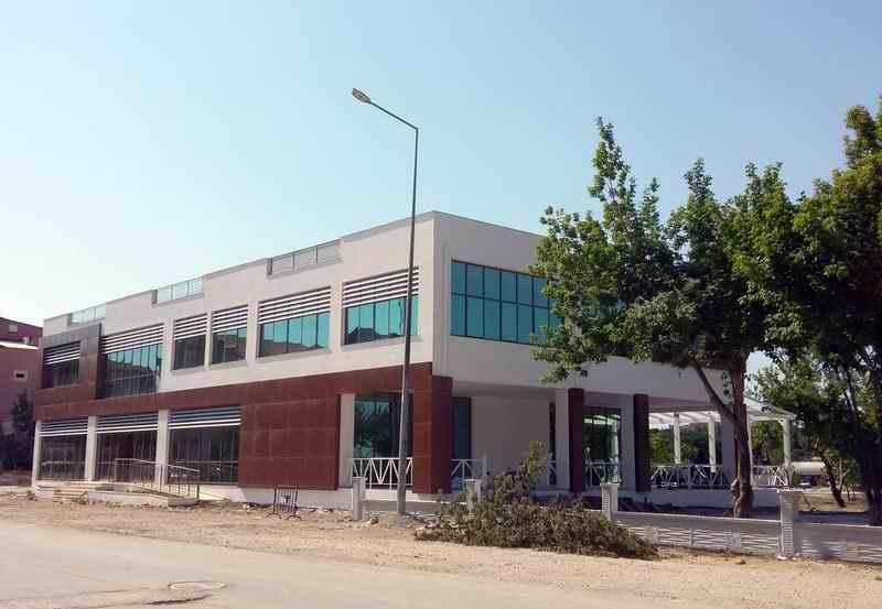Çanakkale'de Belediye Sosyal Tesis Binası Tamamlandı