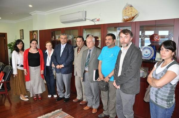 Bükreş Ulusal Sanat Üniversitesi Ekibinden Rektör Akdemir'e Ziyaret