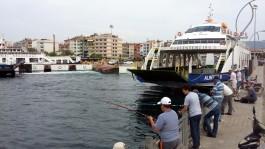 Çanakkale Feribot İskelesi ve Amatör Balıkçılar