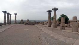 Assos Antik Kentindeki Athena Tapınağı Kalıntılarından Görünüm