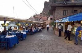 Assos Antik Limanda Yer Alan Oteller