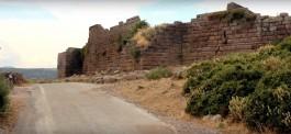 Assos Antik Kentindeki Tarihi Surlar