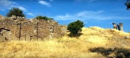 Assos Antik Kentinin Surları İle Athena Tapınağının Kalıntıları