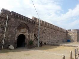 Ayvacık İlçesine Bağlı Babakale Köyündeki Tarihi Babakale Kalesi