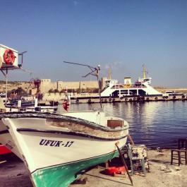Bozcaada Feribot İskelesi ve Liman