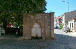 Bozcaada'da Sokaklar ve Tarihi Çeşmeler