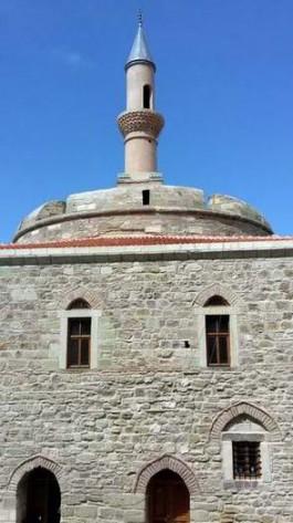 Yeniden Restore Edilen Çimenlik Kalesi İçindeki Tarihi Camii