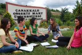 Çanakkale Onsekiz Mart Üniversitesi Öğrencileri Terzioğlu Yerleşkesi'nde