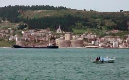 Kilitbahir ve Kilitbahir Kalesi'nin Denizden Görünümü