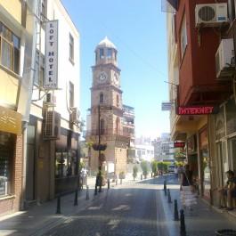 Fetvane Sokaktan Çanakkale Saat Kulesi'nin Görünümü