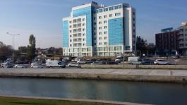 Sarıçay ve Karşı Yakada Parion Hotel