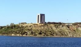 Çanakkale Şehitler Abidesi'nin Denizden Görünümü