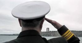 Çanakkale Şehitler Abidesi'nin Askeri Gemiden Selamlanması