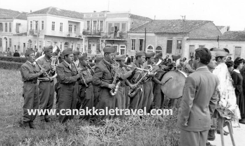 İşte Çanakkale'de 63 Yıl Önceki 19 Mayıs Töreni