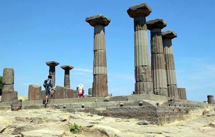 """Assos UNESCO'nun """"Dünya Mirası Geçici Listesi""""ne Alındı"""