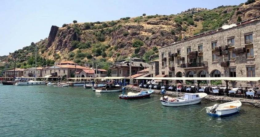 Assos Antik Limanı'ndaki İşletmeler 500 Gün Kapalı Kalacak