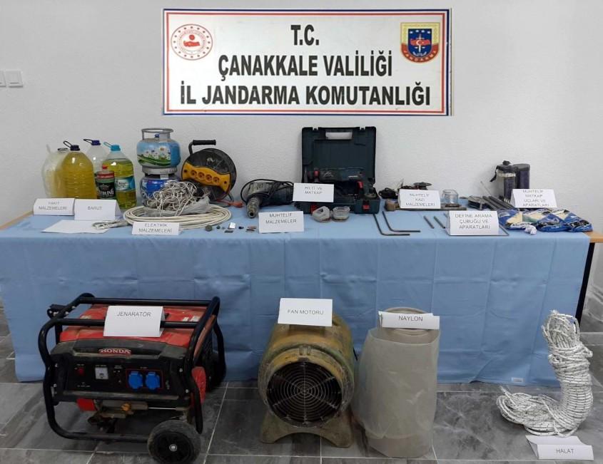 Bayramiç'te Define Arayan 11 Kişi Suçüstü Yakalandı
