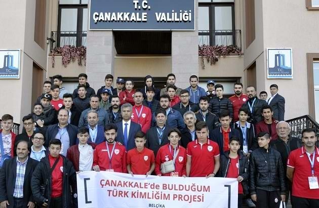 Belçika'da Yaşayan Türk Sporcular Şehitlikleri Gezdi
