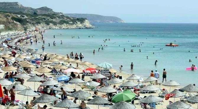 Bozcaada ve Gökçeada'ya Turist Akını