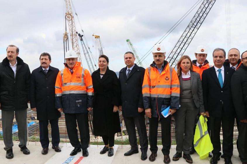 """Boğaz Köprüsü""""nde Kazık Çakma Çalışmaları Tamamlandı"""