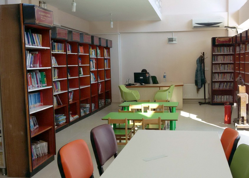 Çanakkale İl Halk Kütüphanesi Yeni Yerine Taşındı
