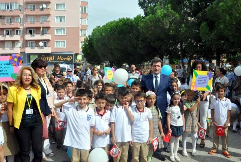 Tatil Bitti, Binlerce Öğrenci Yeniden Okullarında