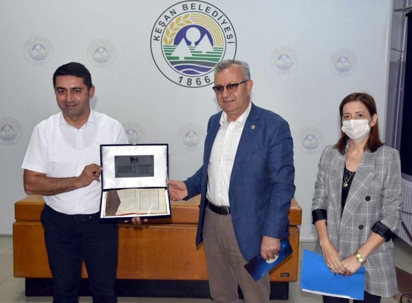 Çanakkaleli Akademisyenden Edirne'ye Anlamlı Bağış