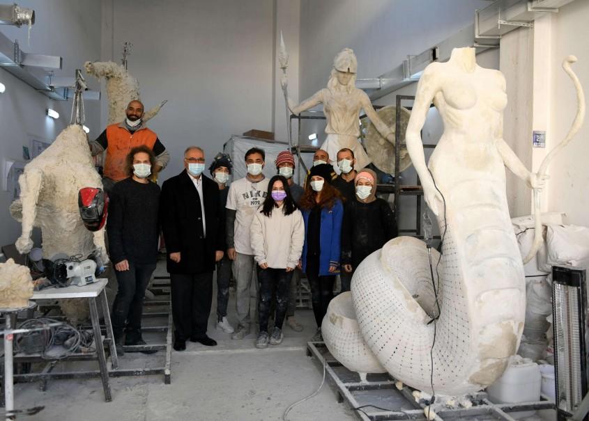 Çanakkaleli Genç Sanatçıların Heykelleri Güney Kore Yolcusu