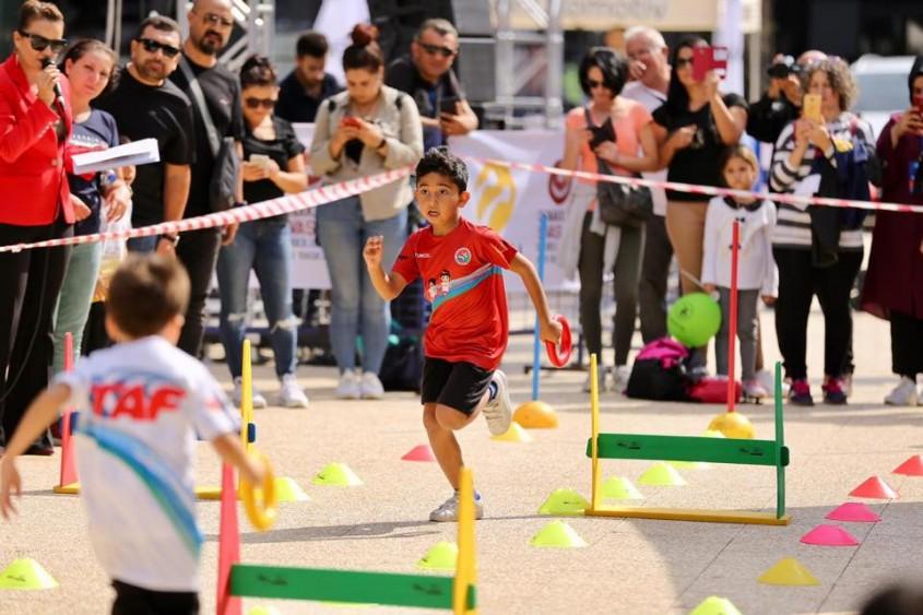 Çocuklar Atletizm Etkinliklerinde Doyasıya Eğlendi