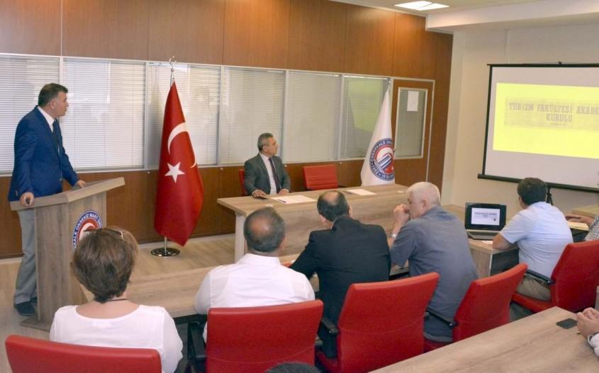 ÇOMÜ Turizm Fakültesi Akademik Kurul Toplantısı Yapıldı