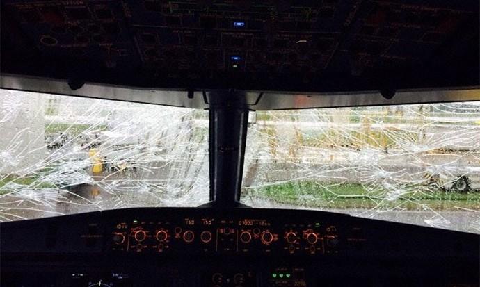 Dolu Çanakkale'de Yolcu Uçağını Düşürüyordu