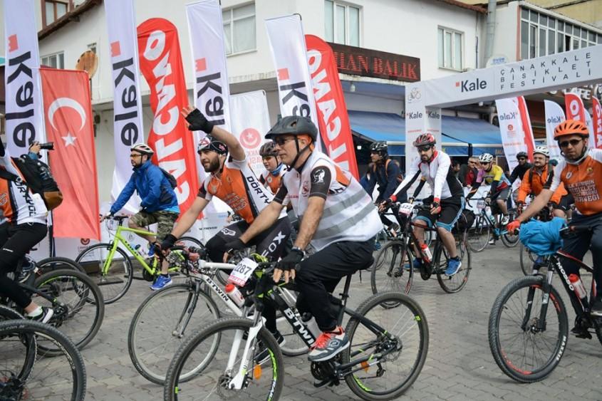 2 bin 500 Bisikletsever Şehitlere Saygı İçin Pedal Çevirdi