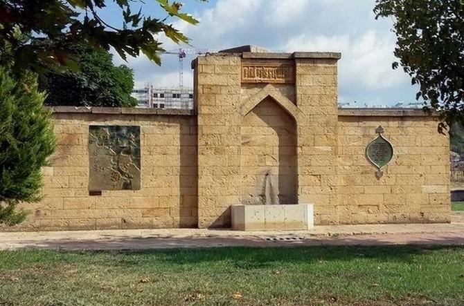 Osmanlı Donanmasının Çanakkale'de Su Aldığı Çeşme Kaderine Terk Edildi