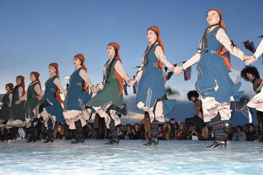 """""""2. Uluslararası Çanakkale Troya Halk Dansları Festivali"""" Başladı"""