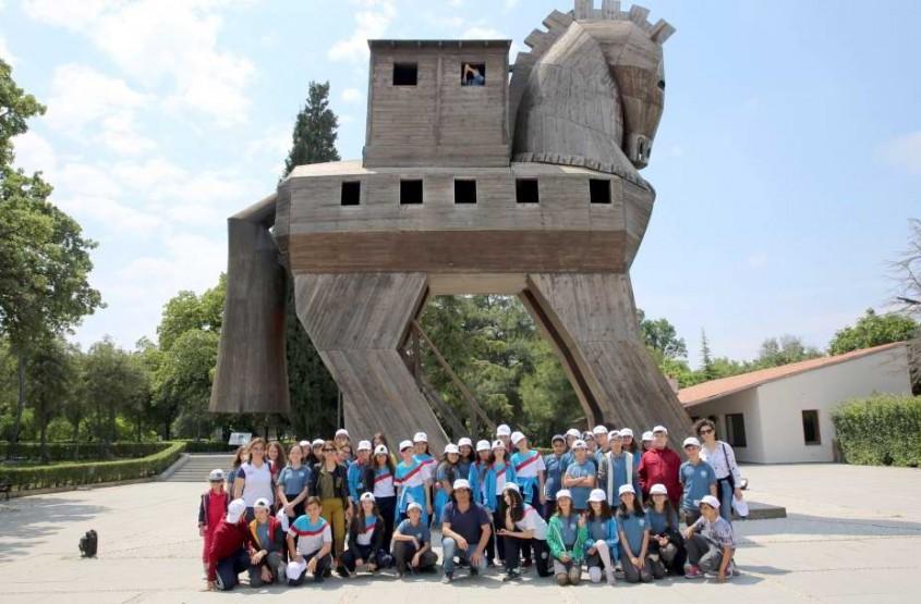 Öğrenciler Troya'yı Gezdi