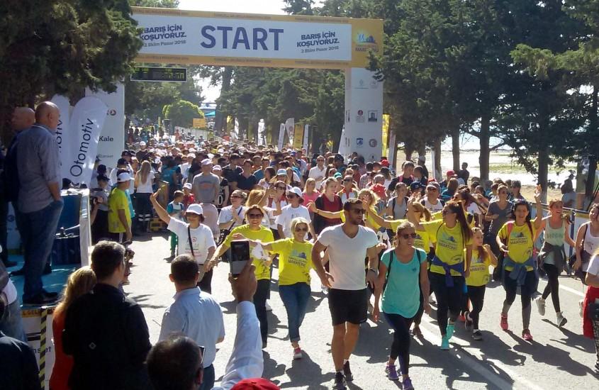 Turkcell Gelibolu Maratonu'nda 5 Bin Kişi Barış İçin Koştu